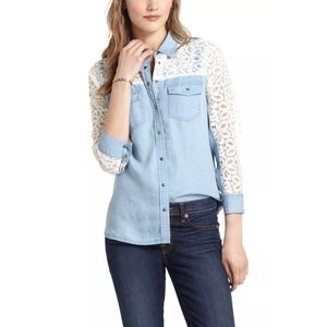 ANTHROPOLOGIE Postmark Chambray and Lace T…